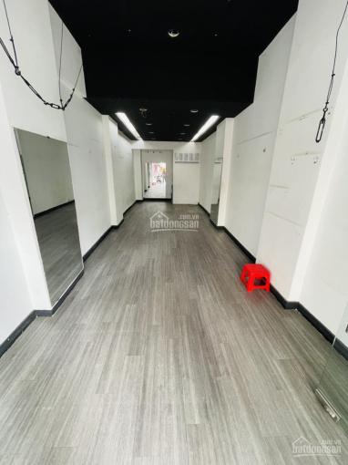 Nhà cho thuê giá tốt đường Nguyễn Trãi, P5, Q5 - trệt, lửng, 3 lầu, sân thượng - 4x15m - 42tr/th ảnh 0