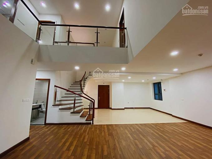 Tôi cần bán căn hộ 2 tầng duplex Goldmark City 186m2 gồm 5PN, 3WC view quảng trường cây xanh ảnh 0