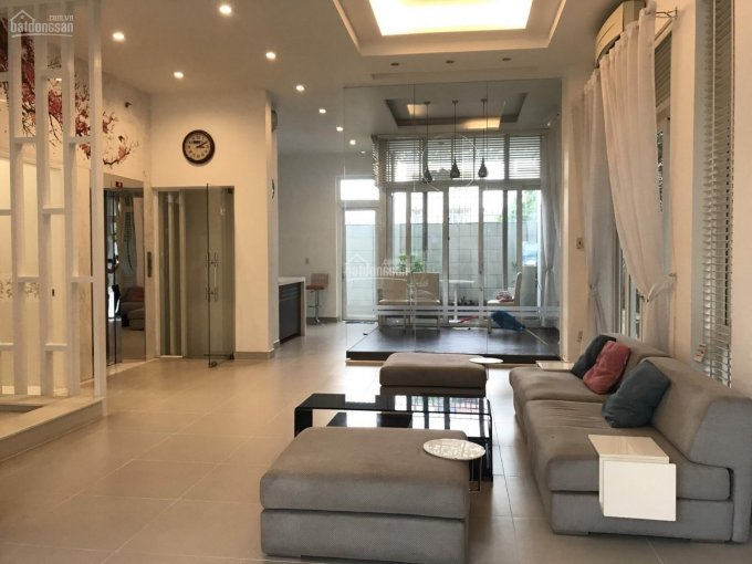 Cho thuê nhà biệt thự 200m2, đường Số 6, Him Lam, Quận 7, có hầm, 3 lầu + thang máy, có nội thất ảnh 0