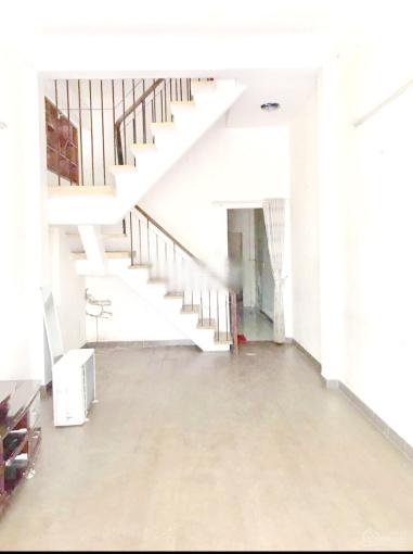 Cho thuê nhà 2 lầu có vỉa hè rộng mặt tiền Lê Quyên, P4, Q8 ảnh 0