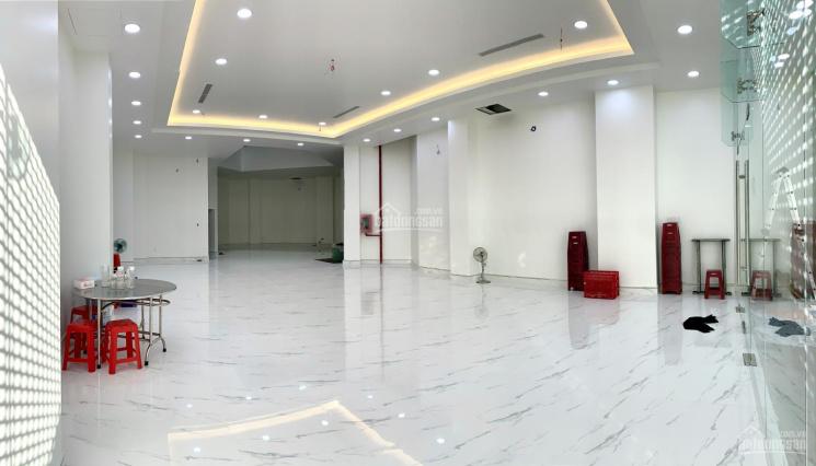 Cho thuê toà nhà đường Đồng Đen, Tân Bình, DT 10x30m, hầm, 5 lầu, mới 100% ảnh 0