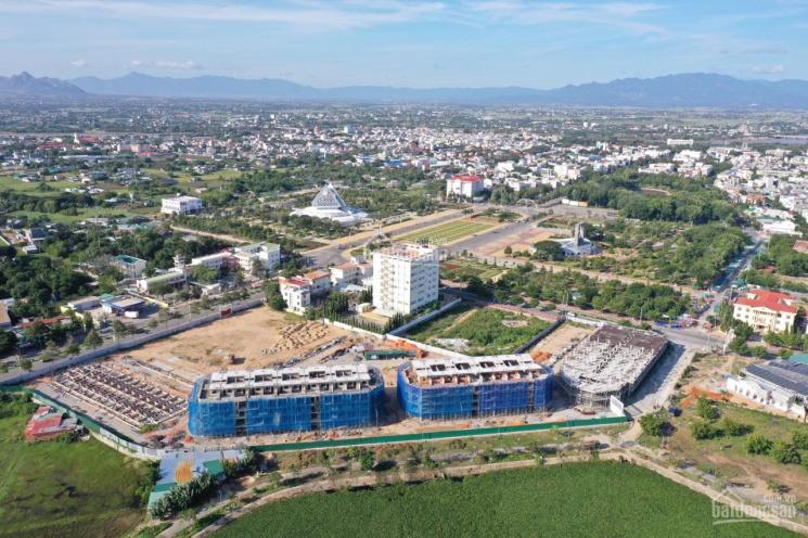 Nhà phố trung tâm thương mại ngay quảng trường tỉnh Ninh Thuận ảnh 0