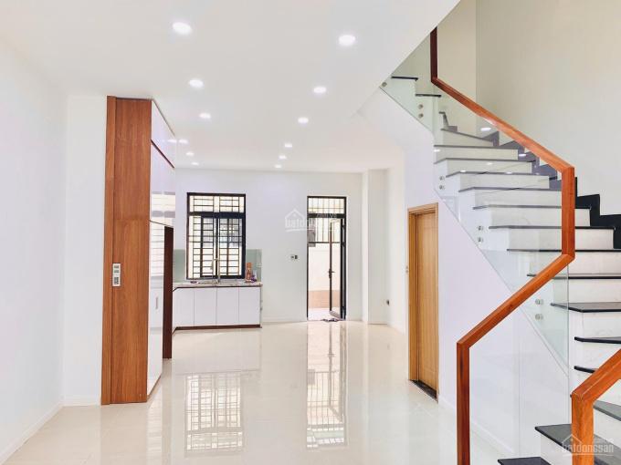 Cho thuê nhà phố, 1 trệt 3 lầu Lakeview City Quận 2, nội thất đẹp, giá 25tr/th, LH 0911867700 ảnh 0