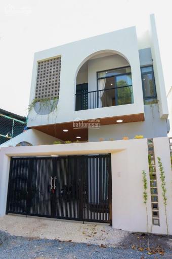 Bán nhà mới 1 sẹc DX01, Phú Mỹ, Thủ Dầu Một, cách DX01 có 50m. Nhà thiết kế hiện đại và cổ điển ảnh 0
