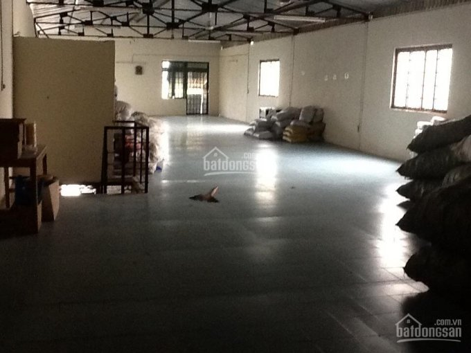 Cho thuê kho xưởng 420m2 ngay Kênh Tân Hóa, cạnh Đầm Sen Q11, cont 40f vào. Mái cao 9m ảnh 0