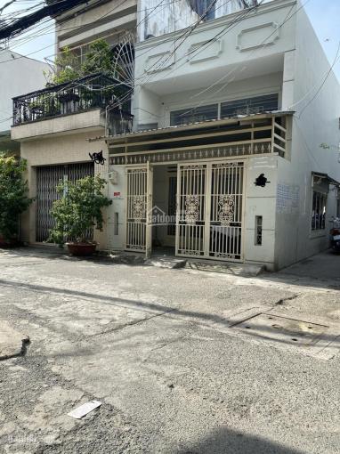 Bán nhà ngay 3 mặt tiền đường Chợ Lớn, nhà 4.31x15m, nhà nở hậu. LH 0933551179 ảnh 0