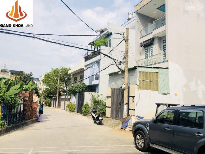 Giảm 500tr bán gấp nhà 2 lầu 100m2, sân ôtô, đường 10 sát bên mặt tiền Linh Đông, cách VĐ 2 200m ảnh 0