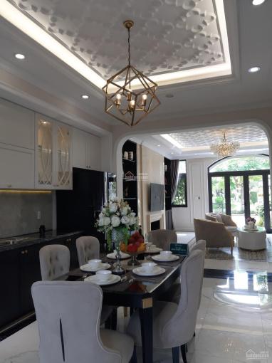 Bán nhà mặt tiền Hùng Vương 5x20m, 1 trệt 2 lầu SHR tặng gói nội thất 400tr. LH 0358.614.568 ảnh 0
