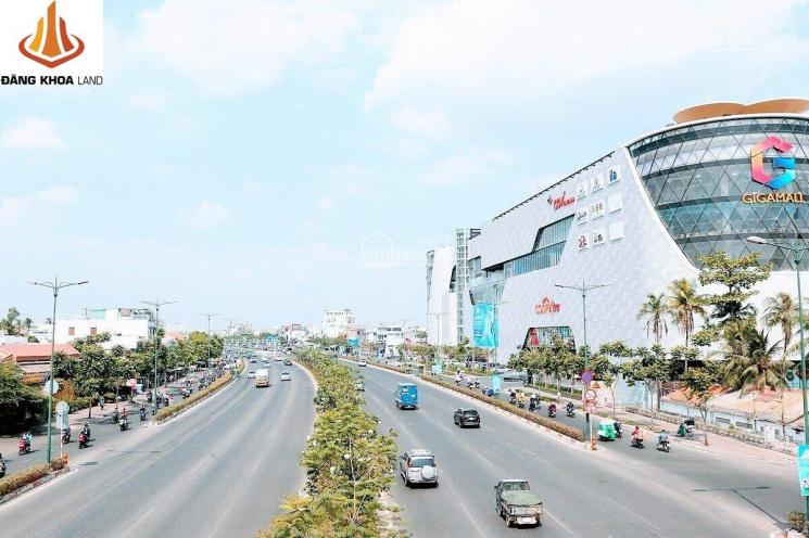 Chủ ngộp thở cần bán gấp nhà ngay Giga Mall, 130m2 ngang 5.7m, đường xe tải giá chỉ hơn 50 triệu/m2 ảnh 0