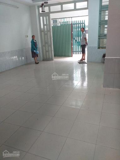 Cho thuê nhà đường Số 8 chợ Đo Đạc, p. Bình An, Q2. 4,2x18m, 1 trệt 3 lầu, có sân rộng để xe ô tô ảnh 0