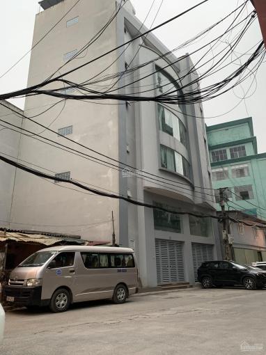 Chính chủ em bán VP 7tầng tại Ngô Gia Tự, Long Biên DT 110m2, MT gần 20m, đường 4 ô tô tránh nhau ảnh 0