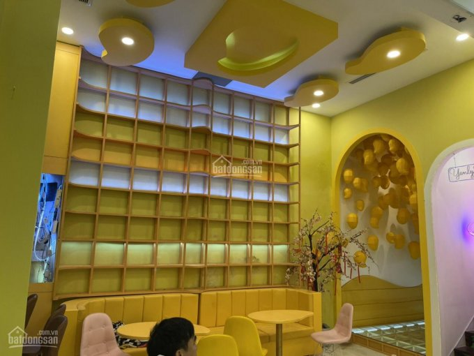 Cho thuê nhà MT Nguyễn Huệ, P. Bến Nghé, Q1 10x20m trệt 1 lầu, 178,088 triệu nhà đẹp siêu vị trí ảnh 0