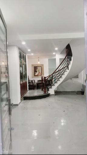 Nhà NC 3 lầu 3 phòng có ST phù hợp (VP + nhà ở) ảnh 0