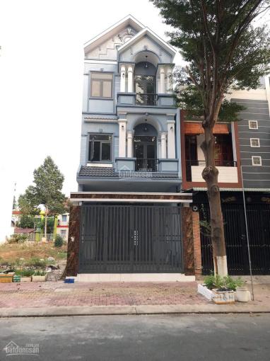 Nhà khu dân cư Hiệp Thành 3, trệt 2 lầu sân xe 7 chỗ ảnh 0