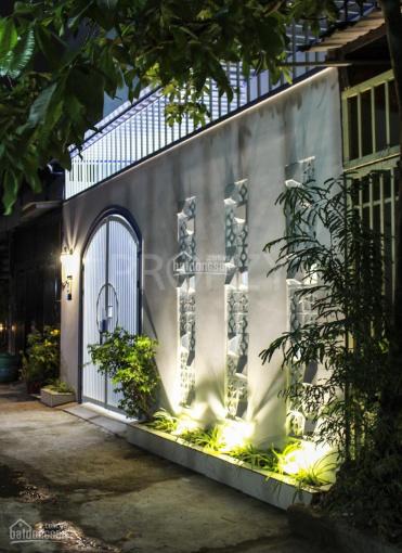 Nhà đẹp tặng nội thất Hóc Môn cách mặt tiền 50m ảnh 0