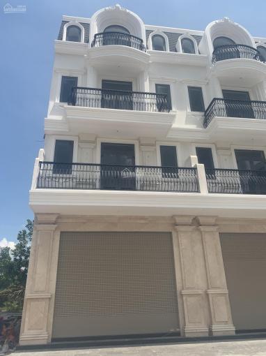 Chủ đầu tư mở bán nhà phố mặt tiền Nguyễn Xiển gần Vinhomes Q9, diện tích 82m2, gọi 0982667473 ảnh 0
