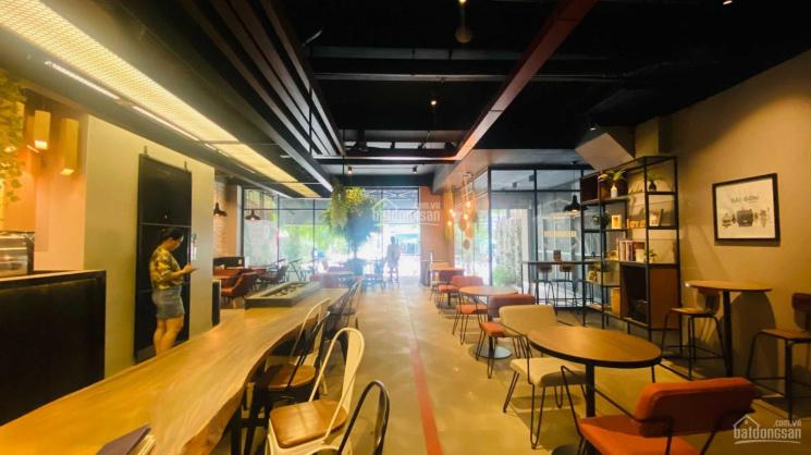 Cho thuê mặt tiền Hoàng Quốc Việt gần nhiều công ty, khu phức hợp La Casa ảnh 0