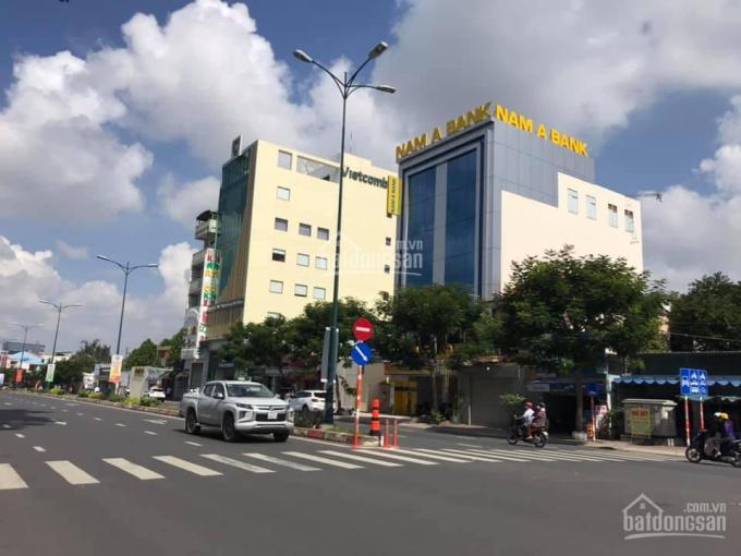 Cho thuê nhà phố nguyên căn 3 lầu mặt tiền Lê Văn Việt 6x21m, tặng 3 tháng tiền nhà ảnh 0