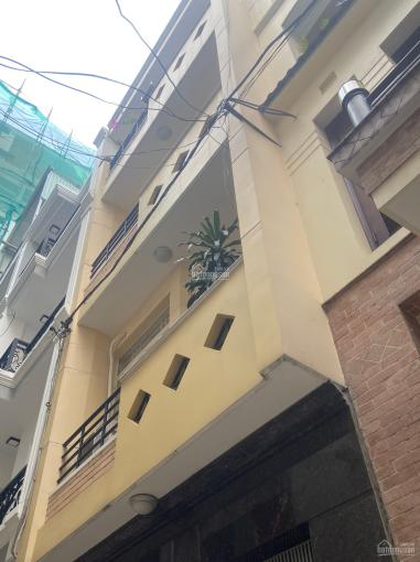 Cho thuê nhà đầu hẻm đường Trần Hưng Đạo, 4 phòng, gần quận 1 ảnh 0