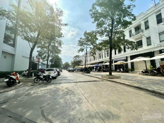 Bán nhà 1 trệt 3 lầu, đường Phạm Văn Thuận, ngay siêu thị Vincom, sổ hồng, thổ cư 100% ảnh 0