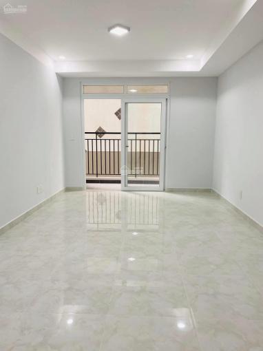 Bán căn hộ 2 phòng ngủ có ban công, ngay cầu Nguyễn Tri Phương. Giá chỉ 2 tỷ (có thương lượng) ảnh 0