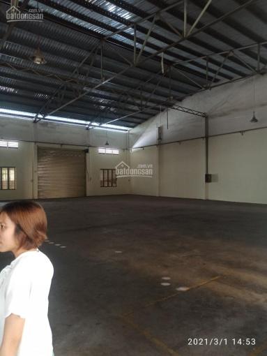 Cho thuê kho xưởng 3000m2 khuôn viên đỗ được 5 container mặt tiền đường QL1A, Q. 12 ảnh 0