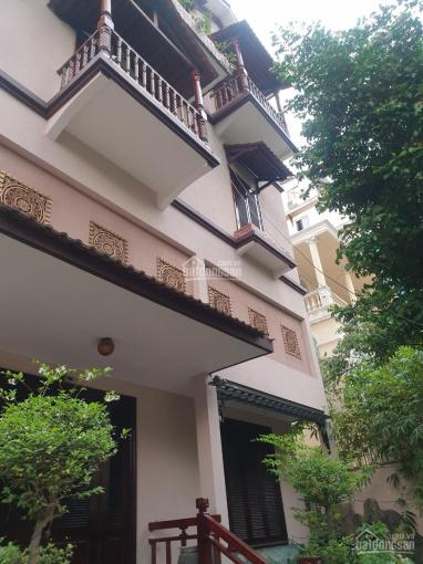Cho thuê biệt thự sân vườn đường Lê Hồng Phong, Q10 (12x25m) có sân vườn, gara ô tô, có nhiều phòng ảnh 0