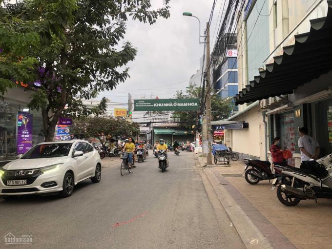 Biệt thự cao cấp khu Nam Hoà đường Đỗ Xuân Hợp (8x20m) biệt thự 1 trệt 2 lầu, cách Đỗ Xuân Hợp 100m