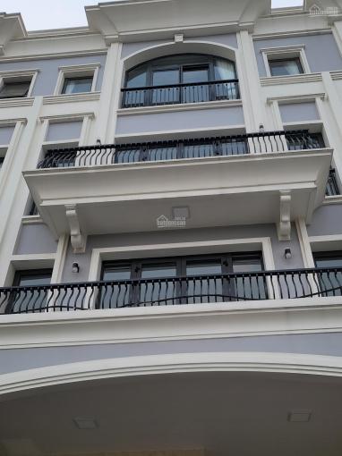 Cho thuê nhà phố KĐT Vạn Phúc DT 7x20m, hầm trệt 3 lầu, nội thất dính tường giá 35tr (giá thật) ảnh 0