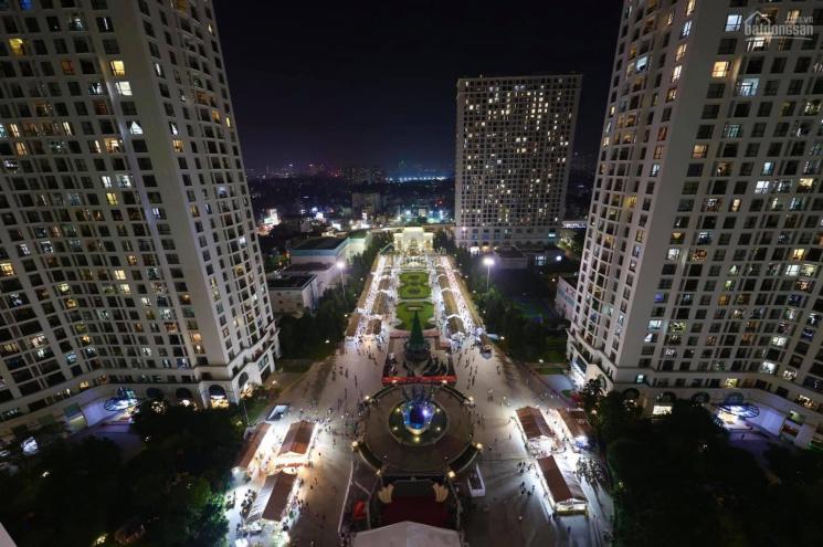 Bán căn hộ vip R3 Royal City 3PN 175m2 view trực diện chính giữa quảng trường, ban công Đông Nam ảnh 0