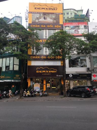 Bán nhà mặt phố Thái Thịnh, Quận Đống Đa, lô góc, mặt tiền 18m, giá 30.5 tỷ ảnh 0