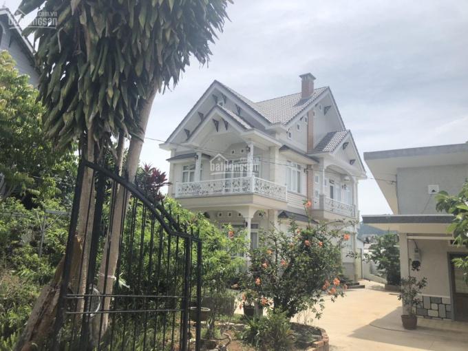 Gia đình cần bán căn niệt thự mới xây, 2 tầng mặt tiền đường Hồ Xuân Hương, TP. Đà Lạt ảnh 0