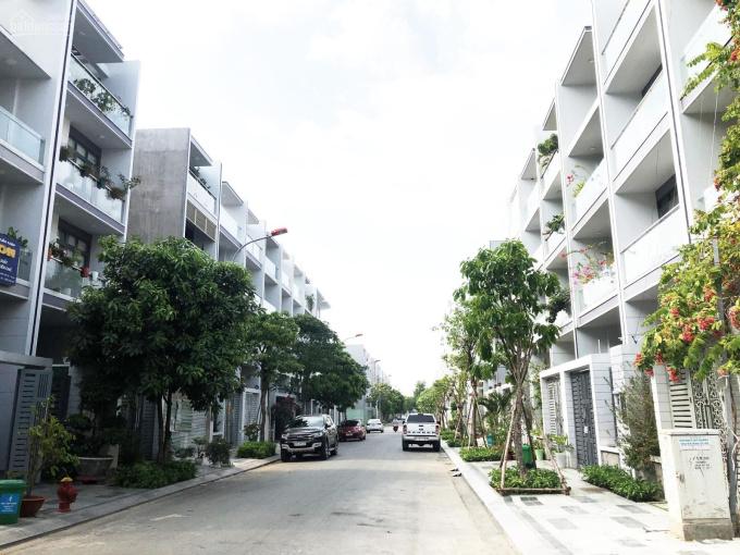 Chính chủ cần bán nhà phố tại Khu đô thị Vạn Phúc thanh toán trước 7,6 tỷ. LH: 0911.788855 A.Hà ảnh 0