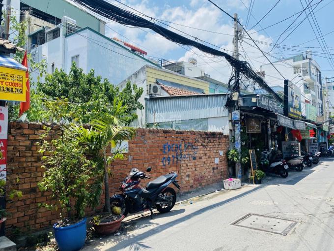Bán nhà nát mặt tiền hẻm kinh doanh gần 8m 142 Nguyễn Thị Thập Q7. DT 8x13,3m vị trí đẹp 0901100979 ảnh 0
