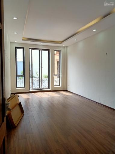 Nhà 5 tầng ô tô đỗ cách nhà 20 mét DT 35m2, giá 2,55 tỷ Mậu Lương, Kiến Hưng. LH: 0977135528 ảnh 0
