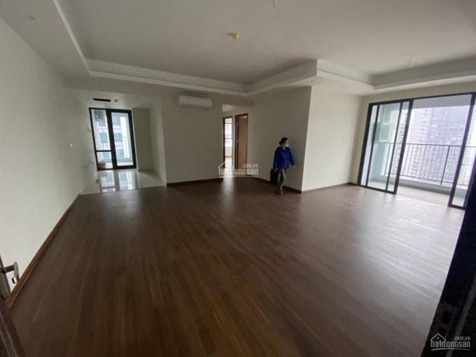 Chính chủ cần bán gấp căn hộ 3PN góc 111m2 chung cư Stellar Garden giá bán 4.05 tỷ. LH: 0969949986 ảnh 0