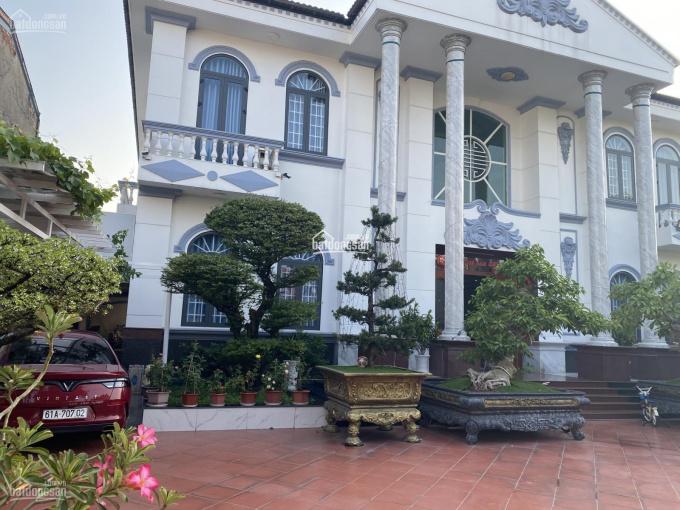 Bán gấp dinh thự ngay ngã tư Hòa Lân, Thuận An, Bình Dương đường Thủ Khoa Huân, Phường Thuận Giao ảnh 0
