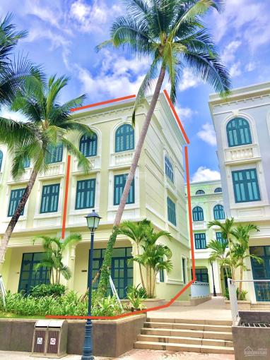 Siêu phẩm nhà phố sát biển Phú Quốc, duy nhất 1 căn góc, cách biển 50m, hoàn thiện 5 PN, rất đẹp ảnh 0