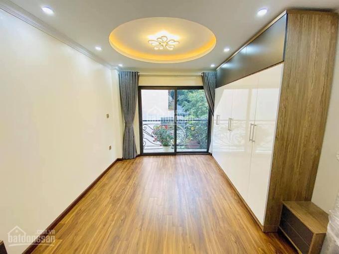 Bán nhà Nguyễn Khánh Toàn 37m2 x 5 tầng nhà đẹp mới tinh. Ngõ rộng khu vực dân trí cao an ninh tốt ảnh 0