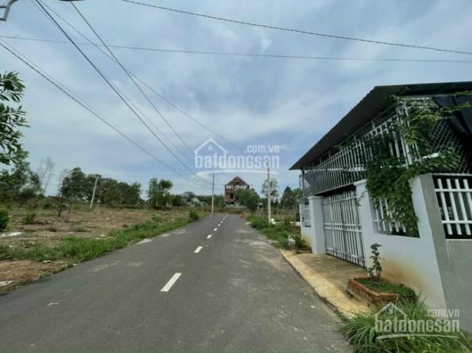 Siêu hot! Bán đất ngay Phú Giáo, mặt tiền đường nhựa 10m ngay KDC, diện tích 200m2, giá 650tr SHR ảnh 0