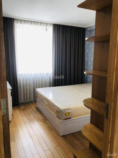 Cho thuê nhà mặt tiền đường 12m khu villa Hà Đô Quận 10 có chỗ đậu xe hơi, 50 xe máy ảnh 0