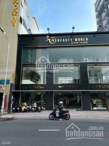 Cho thuê góc 2 mặt tiền Đinh Tiên Hoàng, Quận 1, 12x30m, 2 tầng giá 100 triệu/tháng ảnh 0