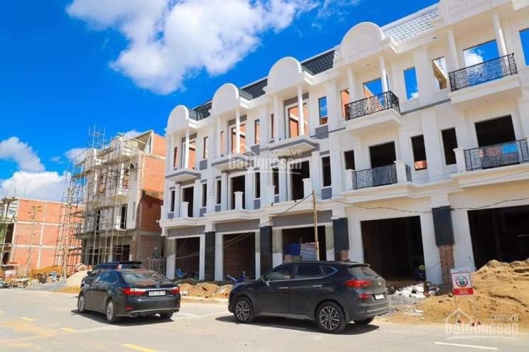 Nhà phố xây sẵn giá chỉ 3.7 tỷ CK lên đến 2 lượng Vàng, Bank hỗ trợ 70%, LH 0974703681 ảnh 0