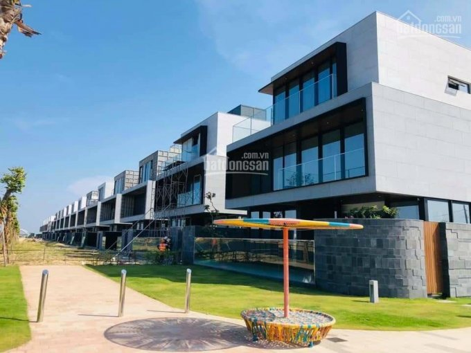 Biệt thự 3 tầng mặt sông Cổ Cò giữa lòng đô thị Đà Nẵng, cách biển chỉ 1km ảnh 0