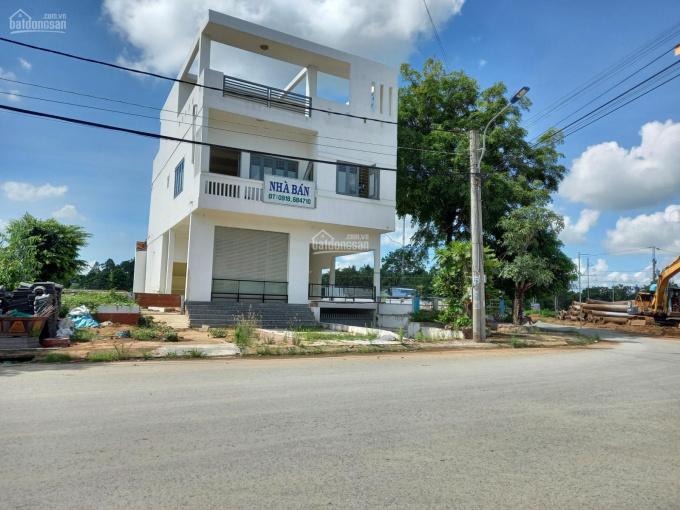 Bán nhà góc 3 mặt tiền đường Số 1, KDC Huỳnh Châu, Thốt Nốt, Cần Thơ ảnh 0