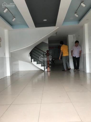 Nhà mặt tiền Phạm Văn Đồng 4x18m, 2 lầu, 5 phòng ngủ, 5 WC, full ML. Gía: 20 triệu/tháng ảnh 0