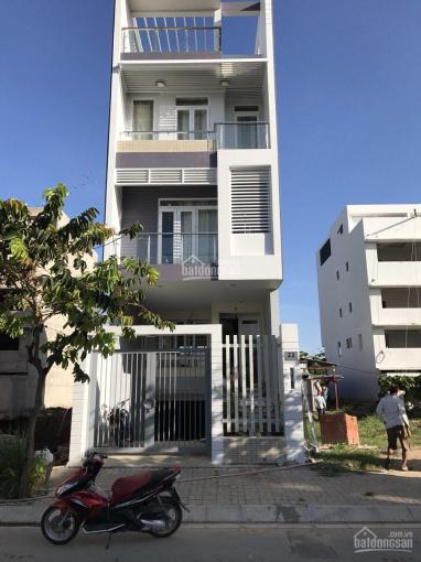 Chính chủ cần bán căn nhà phố Dương Hồng, liền kề quận 7, giá tốt, liên hệ xem nhà 090.678.3676 ảnh 0