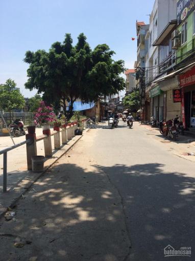 Bán mảnh đất tại Tả Thanh Oai, view hồ, oto tránh vào nhà: DT 70m2, MT 7m, giá 40 tr/m2: 0962087386 ảnh 0