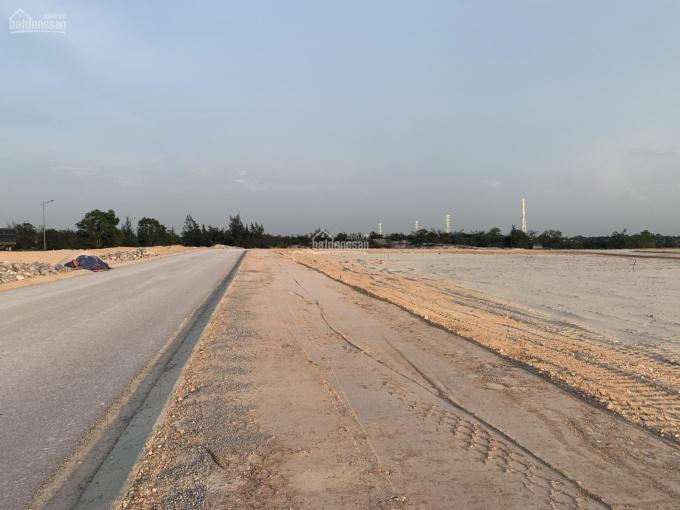 Đất biển sát khu nghỉ dưỡng FLC bên hông trung tâm thương mại, giá chỉ 9 triệu/m2 ảnh 0