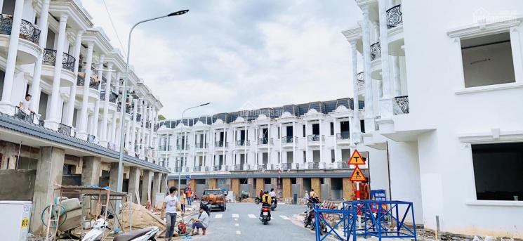 Bán nhà mặt tiền đường Nguyễn Thị Khắp - Dĩ An - Bình Dương, ngân hàng hỗ trợ 70%, sổ hồng riêng ảnh 0